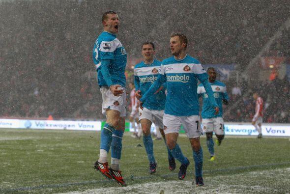 Sunderland se hizo fuerte y en medio de una ola de frio invernal le ganó...