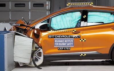 La estructura del área de pasajeros del Chevrolet Bolt 2018 no su...