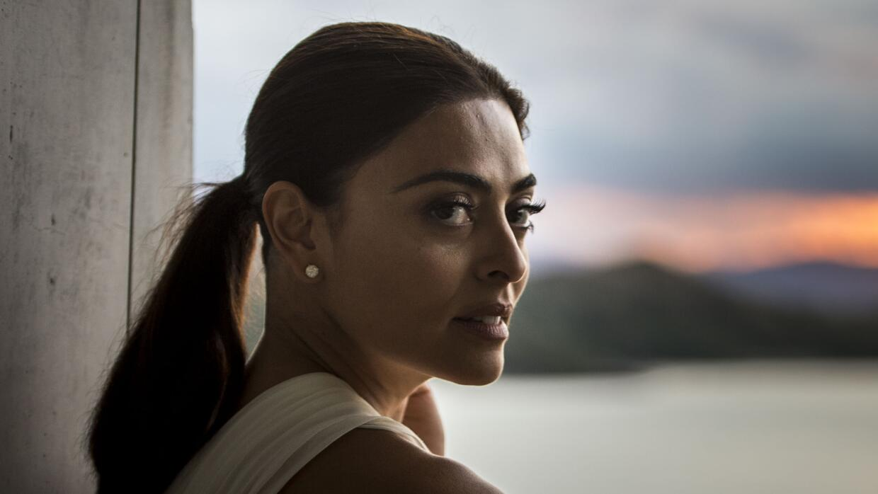 Juliana Paes es Carolina.