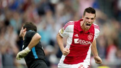 Ajax vence al Vitesse con apenas lo suficiente