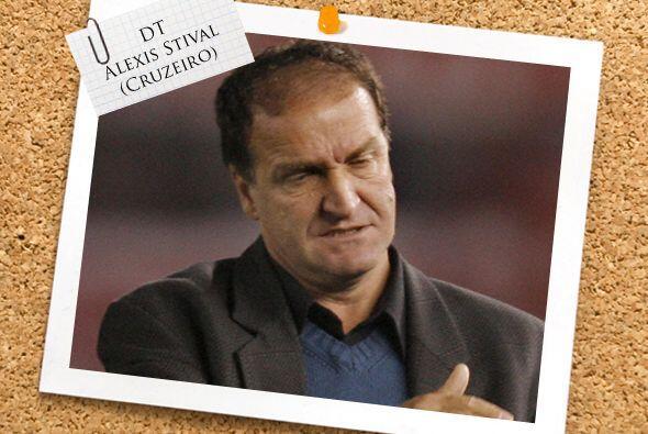 El DT es Alexis Stival, del Cruzeiro. Su equipo no para de golear y apar...