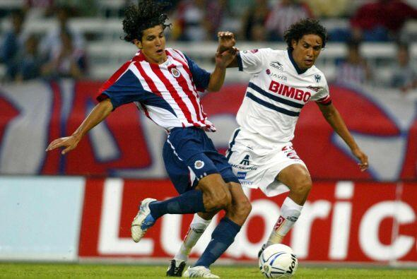 Ese mismo sábado 15 de octubre, pero en el Estadio Jalisco, Monterrey ve...