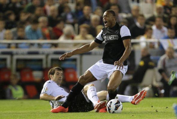El partido se tranquilizo e incluso recortó el Málaga.