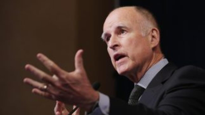 Gobernador Jerry Brown liberó a 127 criminales de las cárceles del estad...
