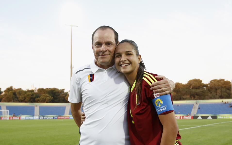 Kenneth Zseremeta y Deyna Castellanos durante el Mundial Femenino Sub17...