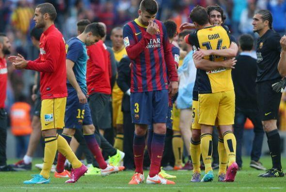 Y al final los tres silbatos del árbitro decretaban el empate y el títul...