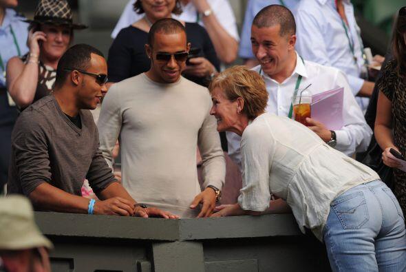 Como buen inglés, seguro Hamilton apoyó a su compatriota Andy Murray.