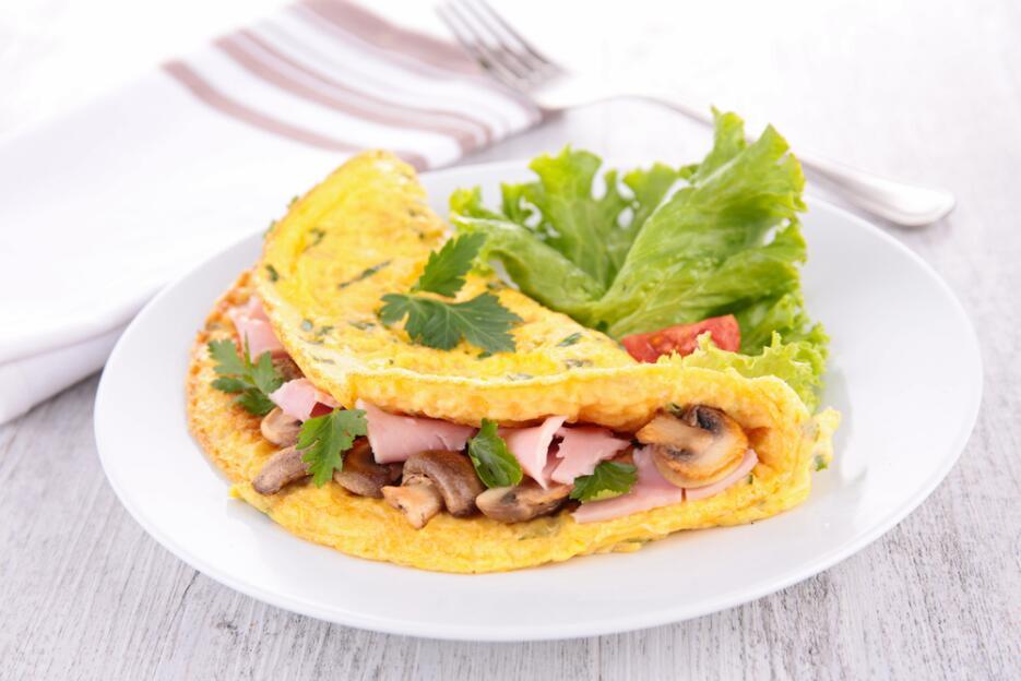 Si lo prefieres, puedes sustituir la omelette de champiñones y pavo por...