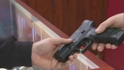 Gobernador de Nueva Jersey firma nuevas normas sobre el control de armas de fuego
