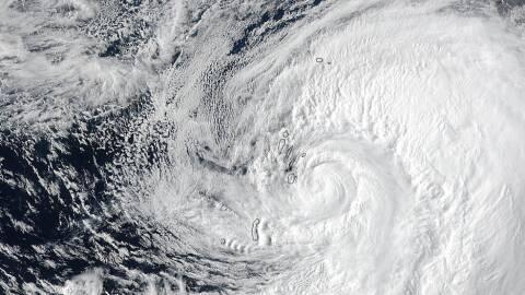 Huracanes Houston huracanes_NASA.NOAA.Jeff%20Schmaltz.jpg