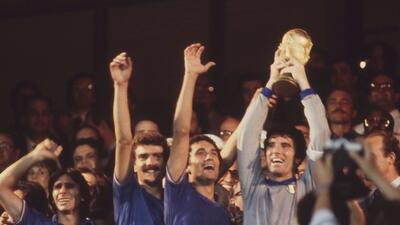 Historias de Mundiales: Dino Zoff, el jugador más veterano en levantar la Copa