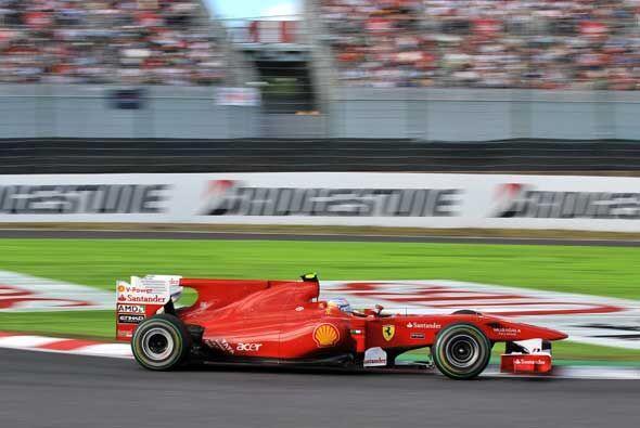 Con el abandono de Massa en la arrancada, Alonso se quedó como el único...