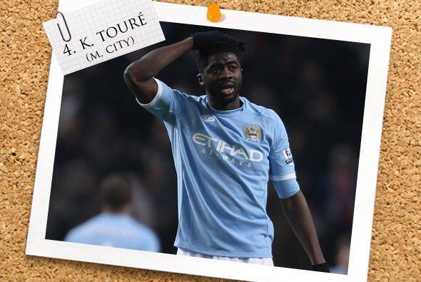 Otro futbolista de la Liga inglesa está en defensa, Kolo Touré, quien lo...