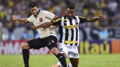 Con un doblete de Elías, Botafogo venció al Santos 2-1 y se ubicó segund...