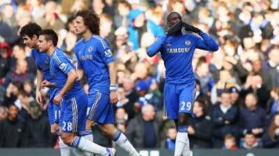 Demba Ba celebra el gol del triunfo de Chelsea sobre West Bromwich.