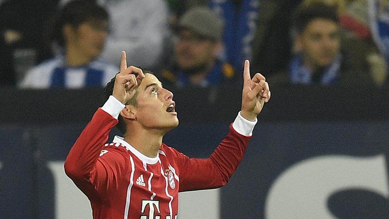 El volante colombiano James Rodríguez tras marcar un gol para Bayern Mun...
