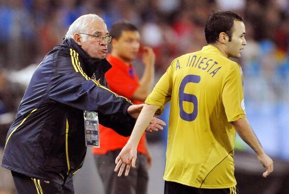 Luis Aragonés, seleccionador de España en 2006, no puede ver el color am...