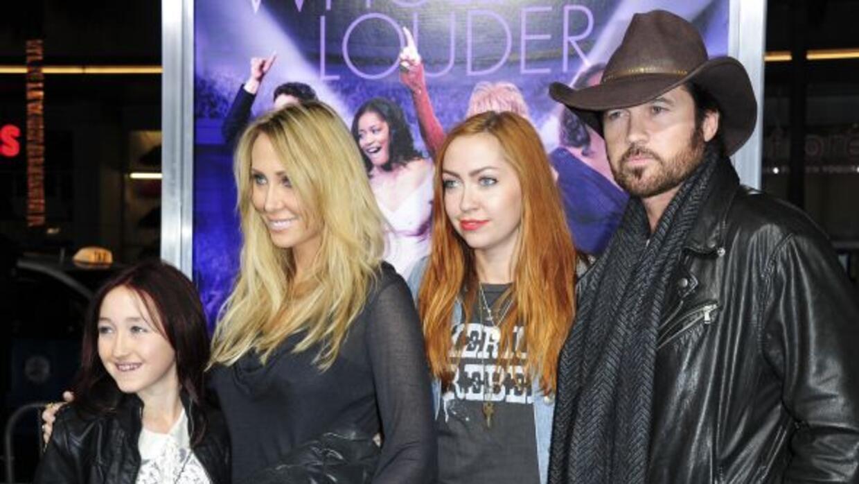 Noah Cyrus, Tish Cyrus, Brandi Cyrus y Billy Ray Cyrus.