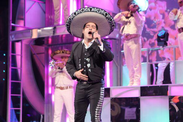 Alejandro fue el primero en demostrarnos su talento imitando a Pablo Mon...