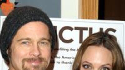 Angelina Jolie reveló sus secretos de amor con Brad Pitt b73873542800492...