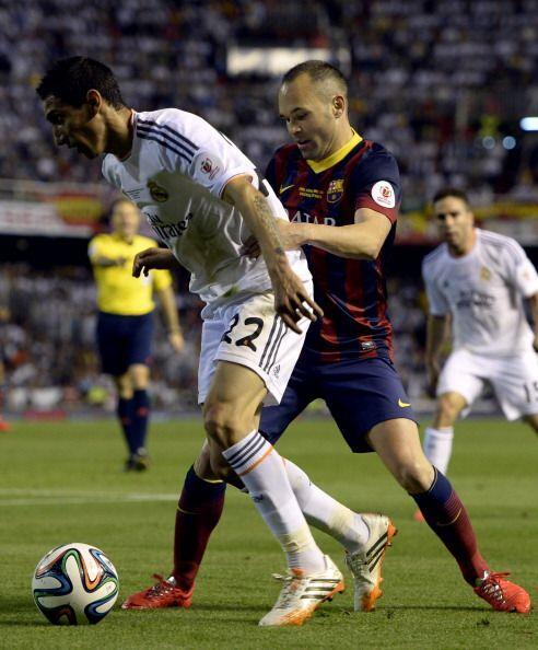 El Real Madrid era más que el Barcelona, que no encontraba espacios.
