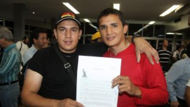 Daniel Estrada firmó con Canelo Promotions (Foto: Canelo Promotions)