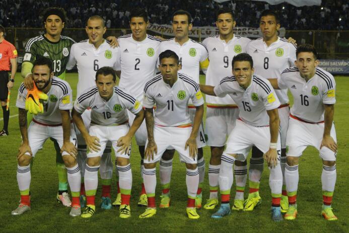 México paró de sufrir en Concacaf con estas 13 alineaciones 12salvadorA.jpg