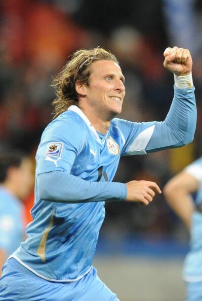 Diego Forlán, ganador del Balón de Oro en Sudáfrica-2010 y estrella de l...