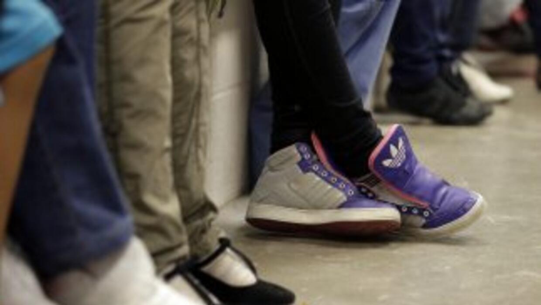 Niños inmigrantes indocumentados en un centro de la Patrulla Fronteriza...