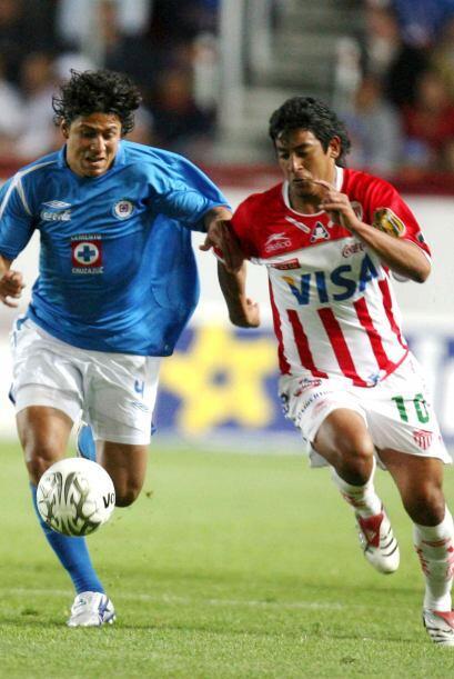 En el Invierno 2001, Cruz Azul perdió 2-0 ante Necaxa en el partido de I...