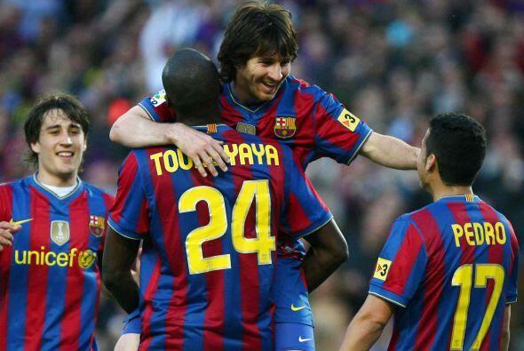 Lionel Messi le puso la rúbrica al título del Barça con un par de goles...