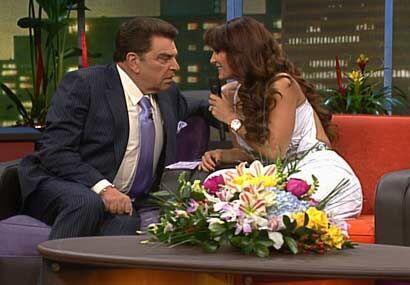 La cantante le cuenta al Don cómo recibió el primer beso de su esposo.