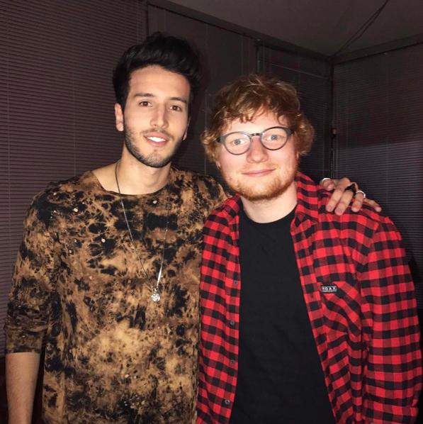 Es un gran admirador de Ed Sheeran.