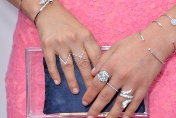 Este 2014, las manos se llenan de anillos. ¡Combinar tendencias y diseño...