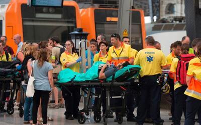 Más de medio centenar de personas resultaron heridas cuando un tr...