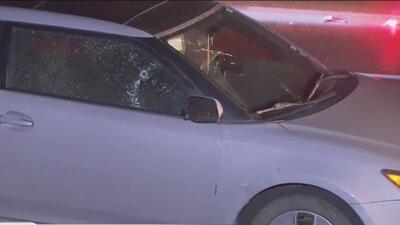 Policía busca a sospechoso de dispararle en la cabeza a un hombre tras un incidente en carretera