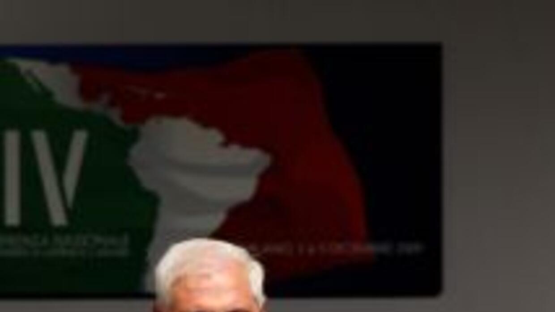 El presidente de Panamá, Ricardo Martinelli abogó por que Honduras regr...