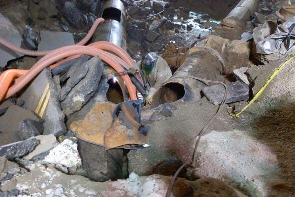 Así avanzan los trabajos de reparación de la tubería principal de agua,...