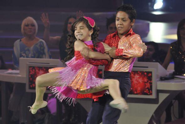 Los niños han logrado mejorar semana a semana en la pista de baile.