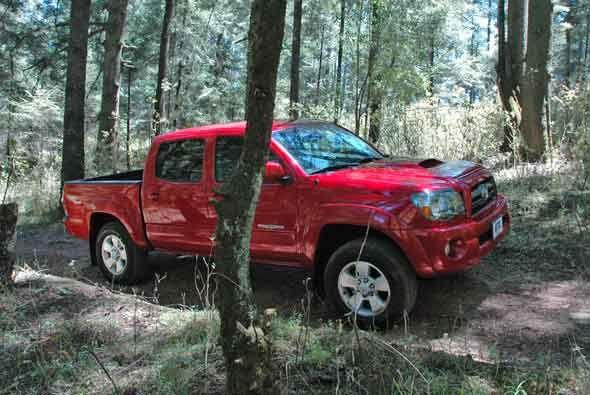 La Tacoma es una pick-up mediana que puede competir de frente  con las m...