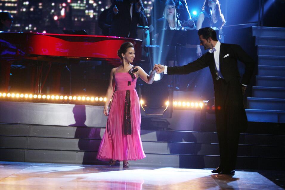 Adamari López en Mira Quién Baila.