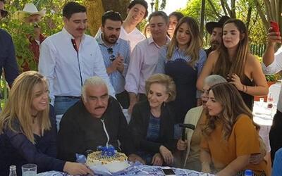 Celebra Vicente Fernández su cumpleaños número 78