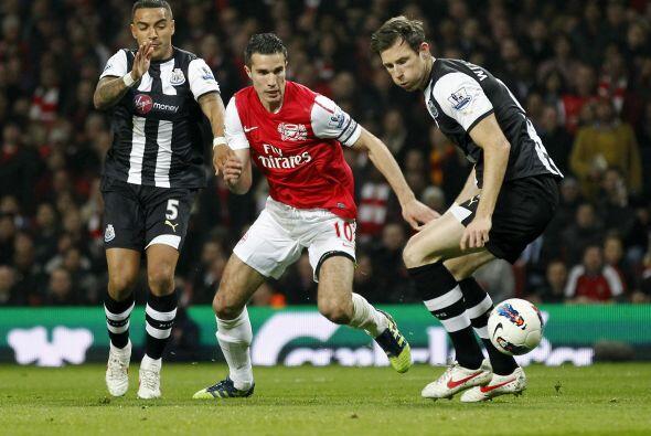 Arsenal y Newcastle cerraron la fecha 28 de la Liga Premier inglesa con...