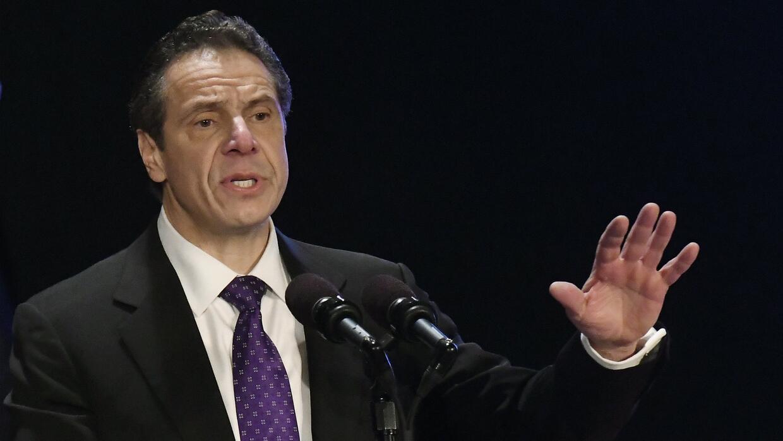 El gobernador de Nueva York, Andrew Cuomo, pronuncia su discurso del sit...