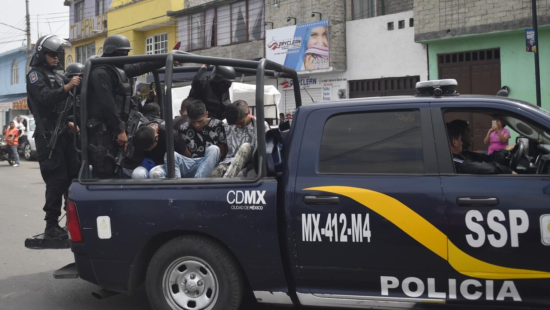 Elementos de la policía en las calles de la Ciudad de México