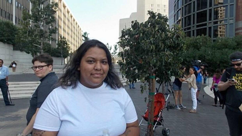 María García, de 22 años, tiene seguro a través de su empleo. Esto le pe...