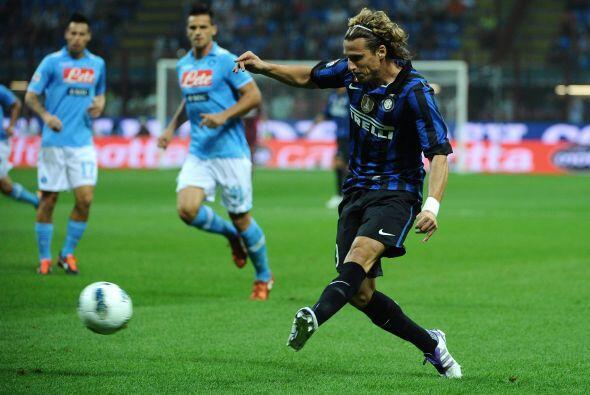 Inter respondía con ataques aislados y con un Forlán que todavía no encu...