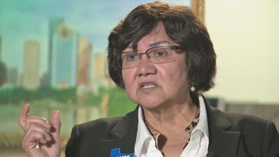 Lupe Valdez, la aspirante a la gobernación de Texas, acepta las críticas...
