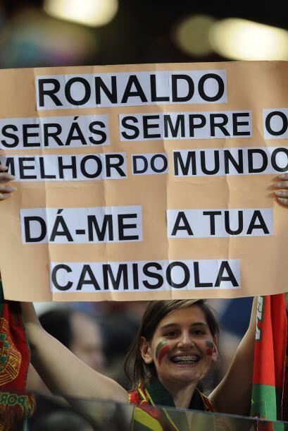 Esta señorita es directa, para ella Cristiano Ronaldo es el mejor... y s...
