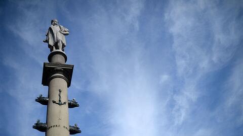 La estatua de 76 pies de alto de Cristóbal Colón en Columbus Circle, Nue...